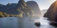 Doubtful Sound Overnight Cruise Twin Share image 6