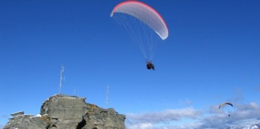 Paragliding - Coronet Peak Tandems - Everything Queenstown