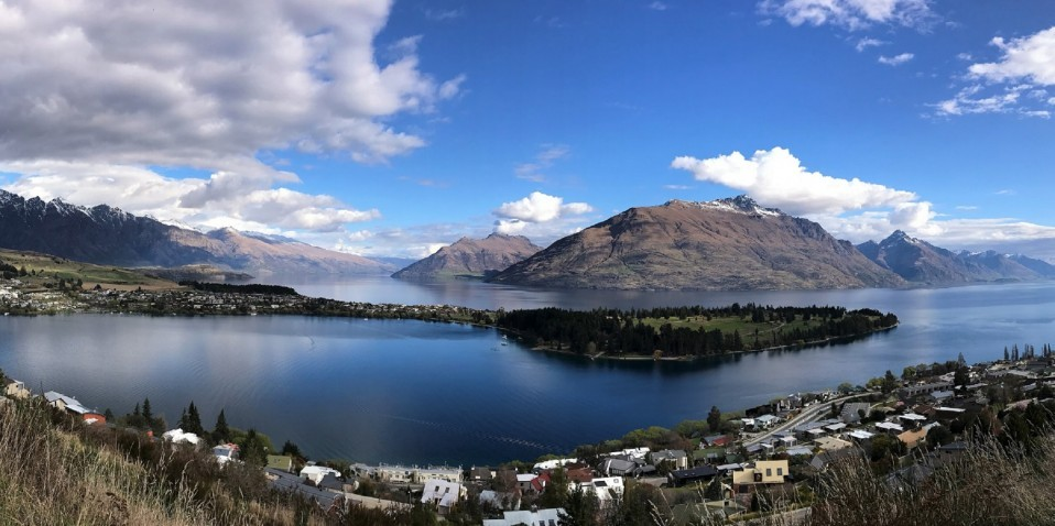 Queenstown, Arrowtown Sightseeing & Tasting Tour - Remarkables Scenic Tours
